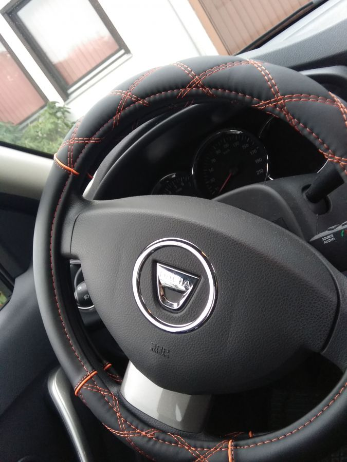 Dacia - Cubierta del volante
