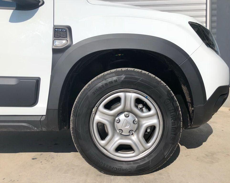 Duster II (2018-2021) - Molduras pasos de rueda conjunto