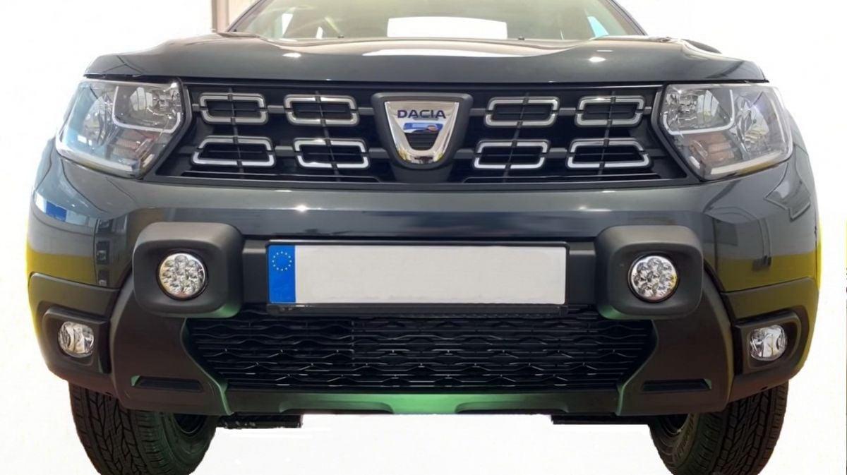 Duster II (2018-2021) - Parachoques delantero faros LED auxiliares- negro (Dacia Original)