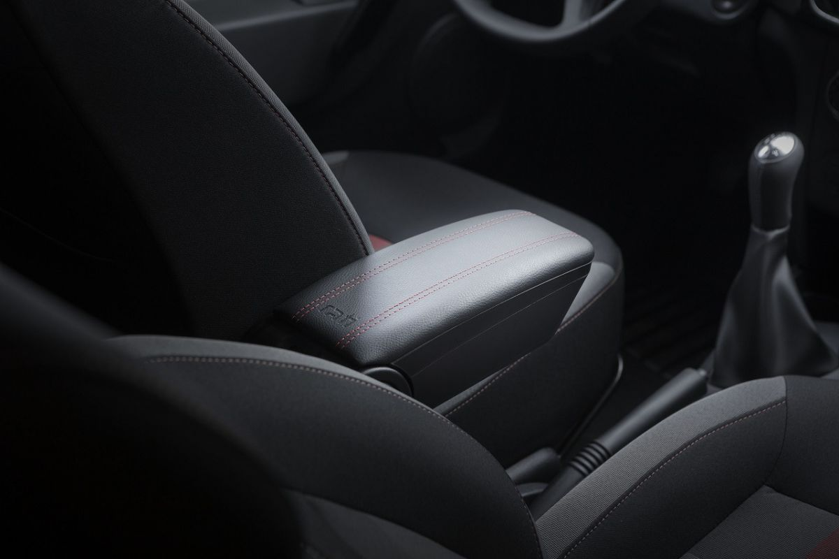 Duster II (2018-2021) - Premium Armrest Sport Edition (with USB connection)
