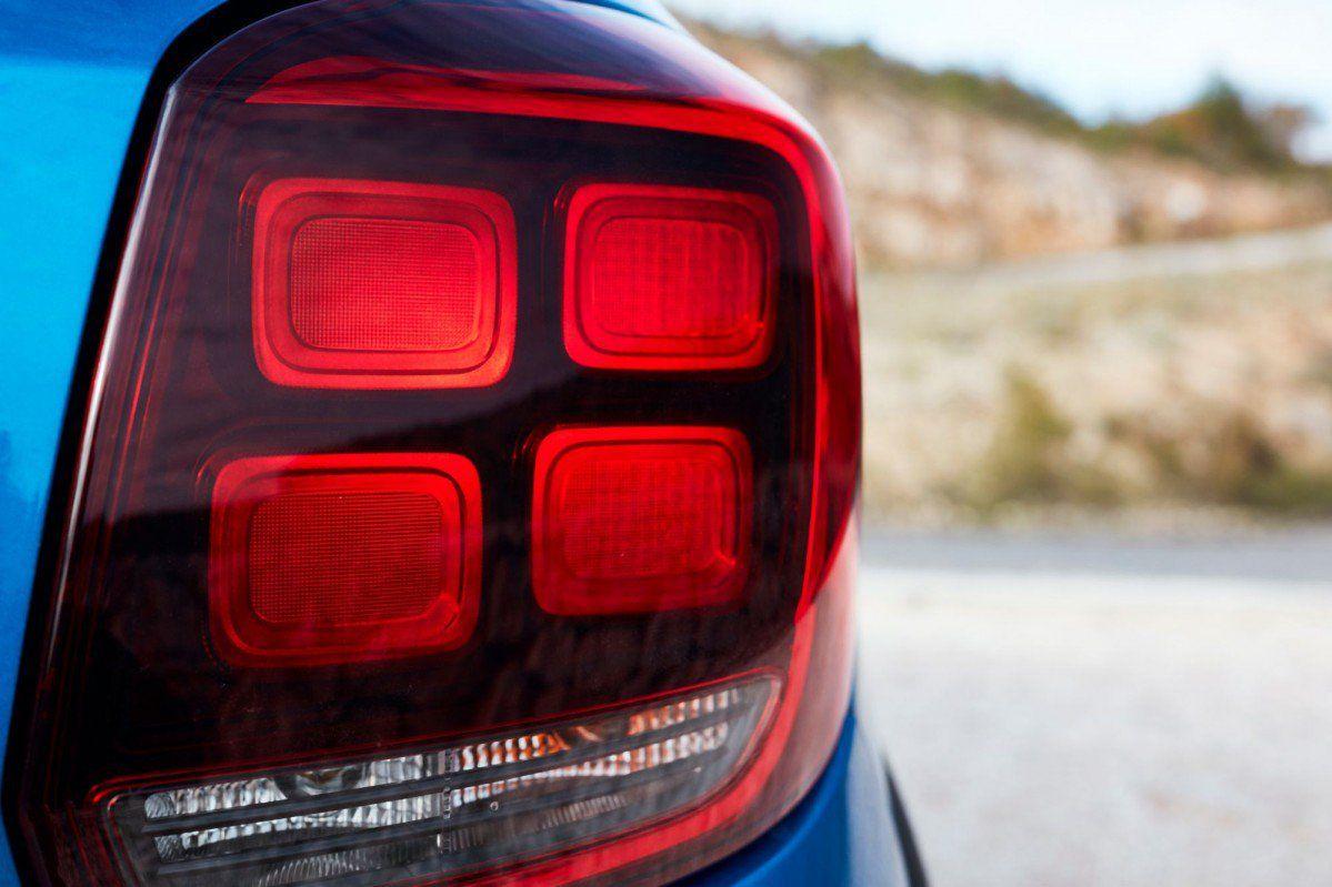 Sandero II (2017-present) - Tail light right  (Dacia Original)