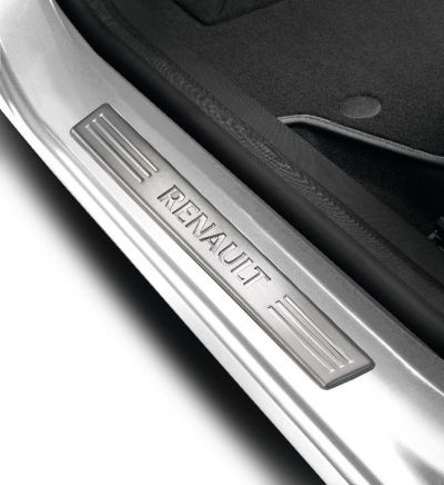 Renault Clio IV - Premium door sills- front (Renault Original)