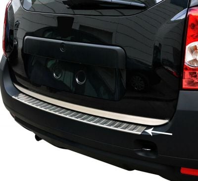 Duster (2010-2017) - Boot entry guard Glossy Chrome