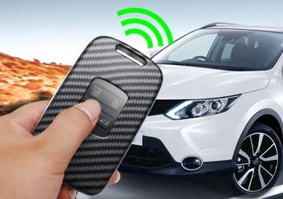 Renault Megane IV - Porte-clés avec aspect fibre de carbone
