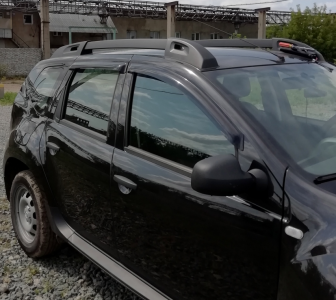 Dacia Duster (2011-) - Deflettori del vento set anteriore e posteriore