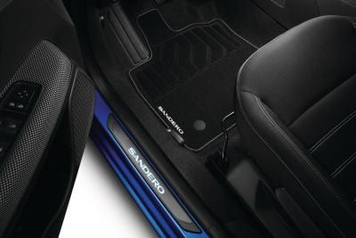 Dacia Sandero III - Seuils de porte éclairés (Dacia Original)
