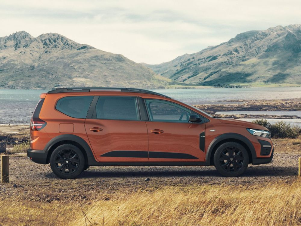 Dacia Jogger launched: the most accessible 7-seater hybrid on the market!